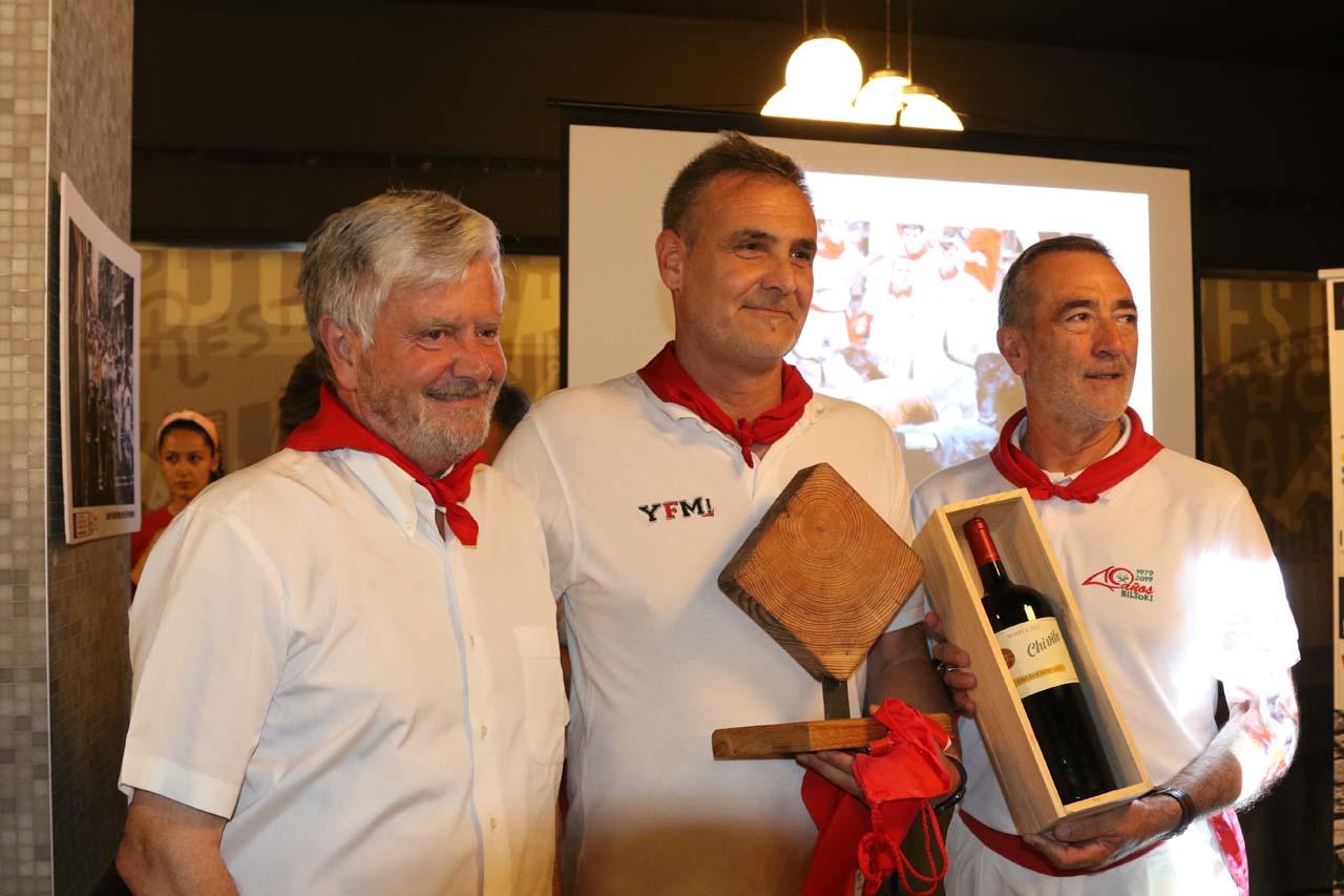Michel Iturralde, de la Casa de Misericordia, y Javier Mutilva, ganador de un premio especial.
