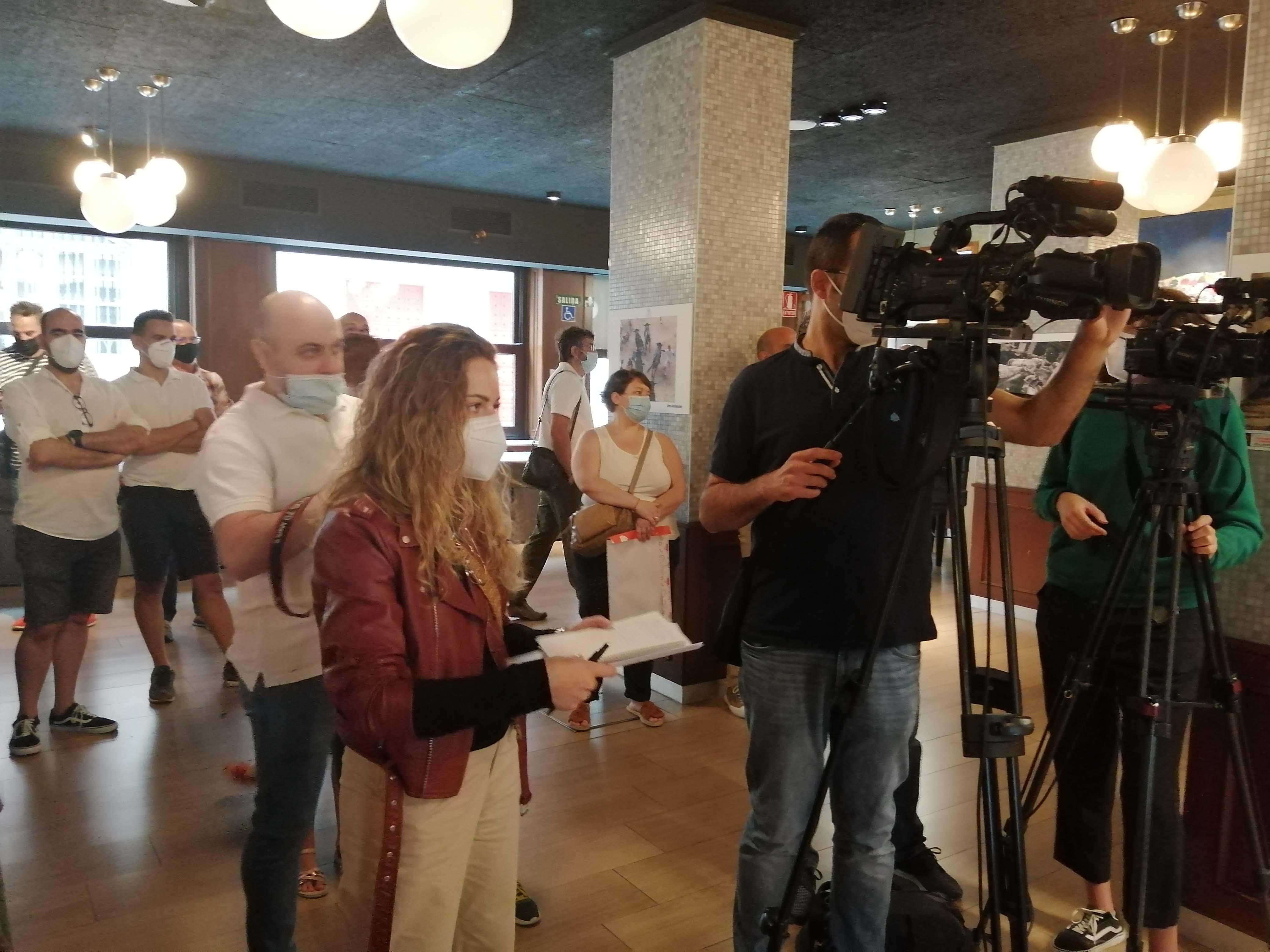 Compañeros de los medios asistieron a la entrega de premios del X CIFE